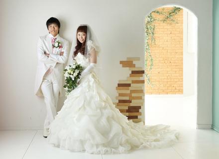 結婚式は挙げないけれど、写真だけでも残したい…。出産、子育てで結婚式ができなかったご夫婦に…